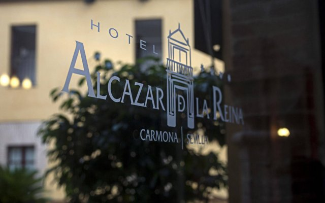 Alcazar De La Reina Hotel вид на фасад