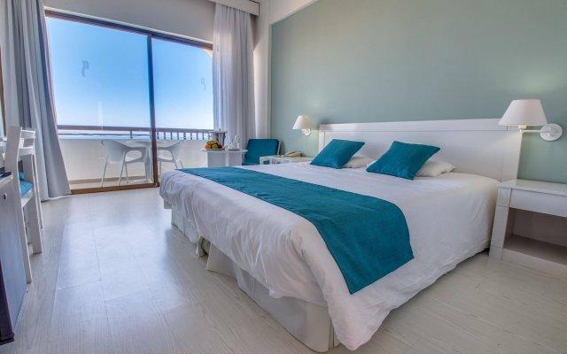 Отель Crystal Springs Beach Hotel Кипр, Протарас - 13 отзывов об отеле, цены и фото номеров - забронировать отель Crystal Springs Beach Hotel онлайн комната для гостей