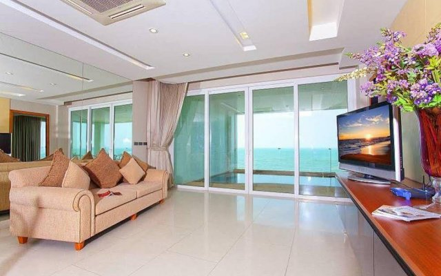 Апартаменты Ocean Fringe Apartment A Паттайя комната для гостей