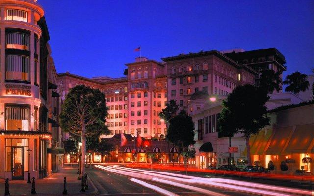 Отель Beverly Wilshire, A Four Seasons Hotel США, Беверли Хиллс - отзывы, цены и фото номеров - забронировать отель Beverly Wilshire, A Four Seasons Hotel онлайн вид на фасад