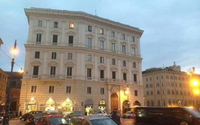 Отель Biancoreroma B&B вид на фасад