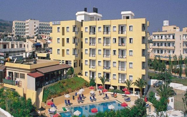 Отель Trizas Кипр, Протарас - отзывы, цены и фото номеров - забронировать отель Trizas онлайн вид на фасад