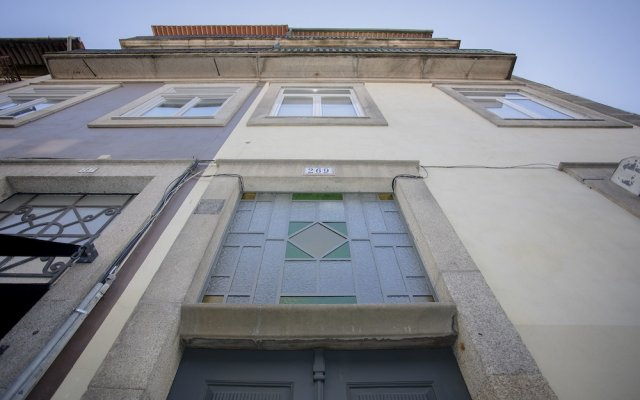 Апартаменты Liiiving - Miguel Bombarda Apartment вид на фасад