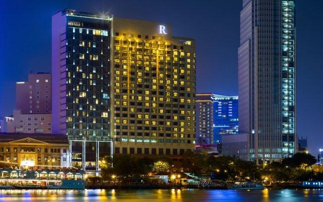 Отель Renaissance Riverside Hotel Saigon Вьетнам, Хошимин - отзывы, цены и фото номеров - забронировать отель Renaissance Riverside Hotel Saigon онлайн вид на фасад