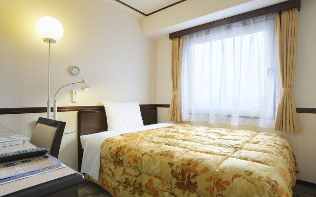 Отель Toyoko Inn Hakata-Guchi Ekimae No.2 Хаката комната для гостей