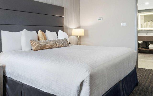 Отель Best Western Premier Calgary Plaza Hotel & Conference Centre Канада, Калгари - отзывы, цены и фото номеров - забронировать отель Best Western Premier Calgary Plaza Hotel & Conference Centre онлайн комната для гостей