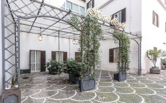 Отель Lazio вид на фасад