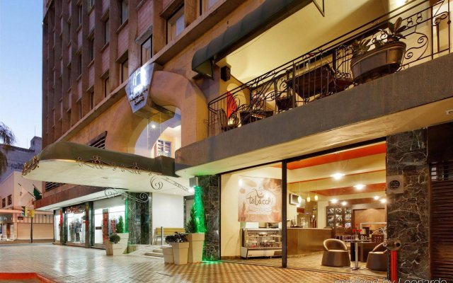 Holiday Inn Hotel & Suites Centro Historico вид на фасад
