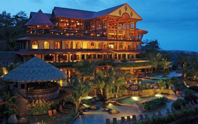 Отель The Springs Resort and Spa at Arenal вид на фасад