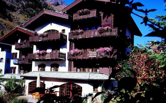 Отель Pollux Швейцария, Церматт - отзывы, цены и фото номеров - забронировать отель Pollux онлайн вид на фасад