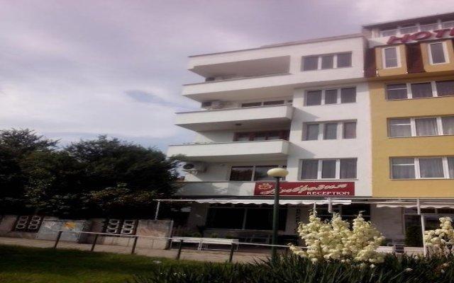 Отель Ambrozia Guest Rooms Сандански вид на фасад