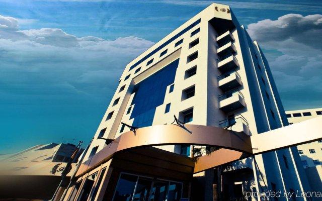 Bristol Hotel вид на фасад