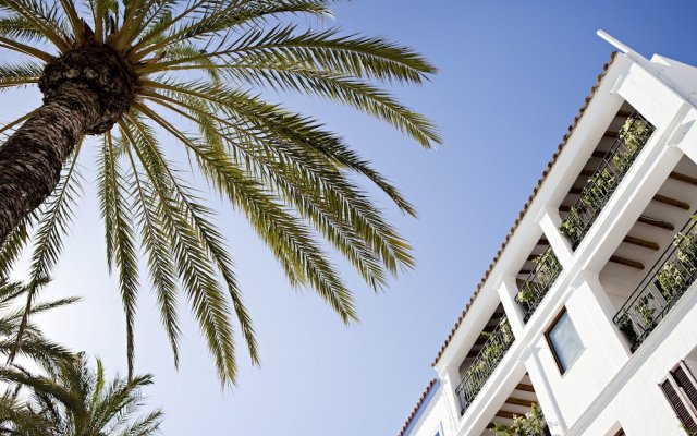 Отель 105 Suites @ Marina Magna вид на фасад