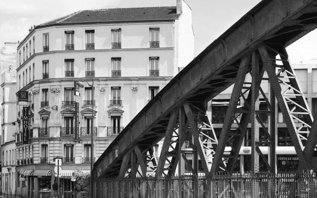 Hotel At Gare du Nord вид на фасад