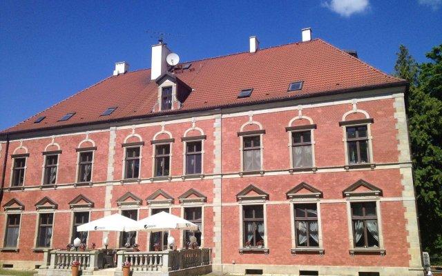Отель Lezno Palace Польша, Эльганово - 4 отзыва об отеле, цены и фото номеров - забронировать отель Lezno Palace онлайн вид на фасад