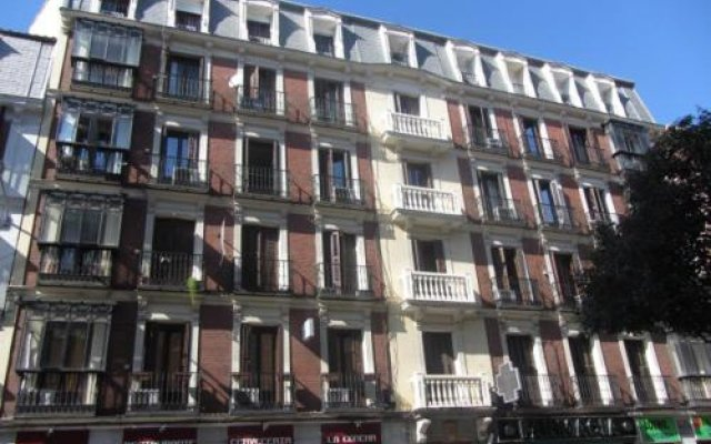 Отель Flat5Madrid Испания, Мадрид - 1 отзыв об отеле, цены и фото номеров - забронировать отель Flat5Madrid онлайн вид на фасад