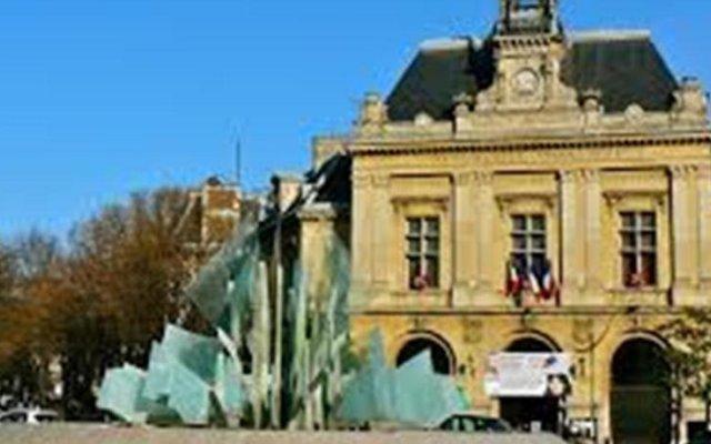 Hotel Paris Gambetta Париж вид на фасад