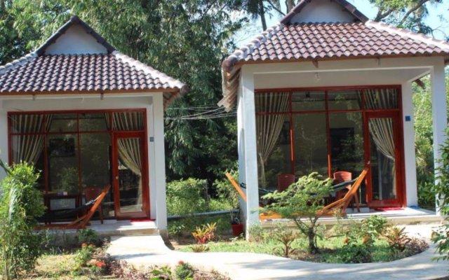 Отель Hoa Nhat Lan Bungalow вид на фасад