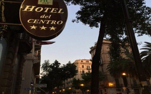 Hotel del Centro вид на фасад
