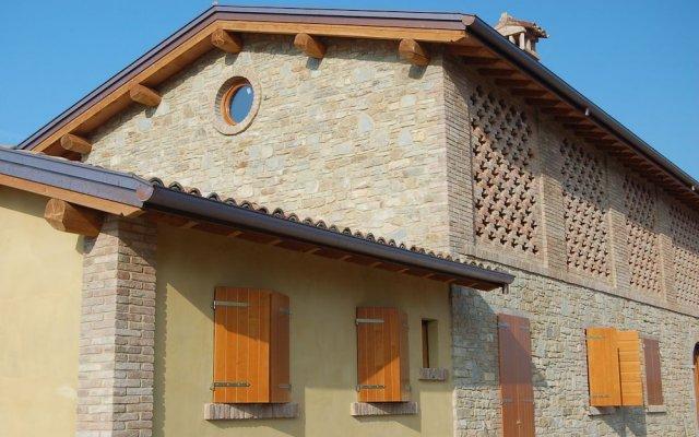 Отель Agriturismo Il Filare Невьяно-дельи-Ардуини вид на фасад