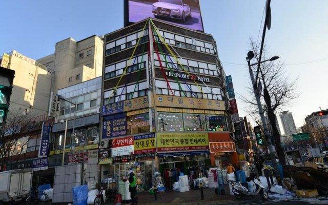 Отель 2U Guesthouse Сеул вид на фасад