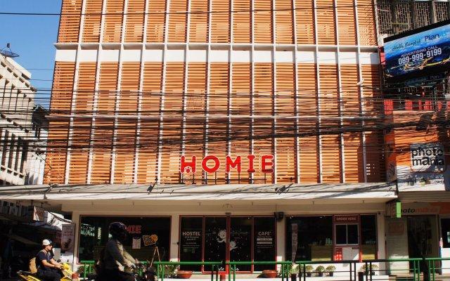 Homie Hostel & Cafe' Бангкок вид на фасад