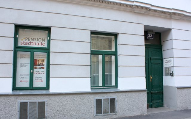 Отель Pension Stadthalle Вена вид на фасад