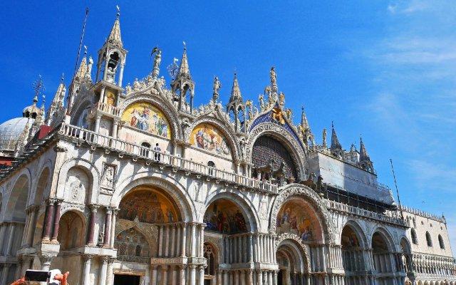Отель A Tribute To Music Венеция вид на фасад
