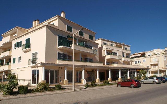 Отель Quinta Da Praia Das Fontes вид на фасад