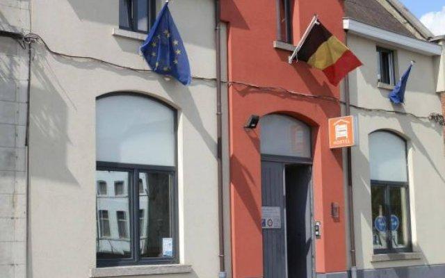Brussel Hello Hostel вид на фасад