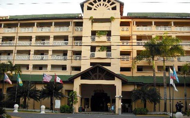 Отель Coral Costa Caribe вид на фасад