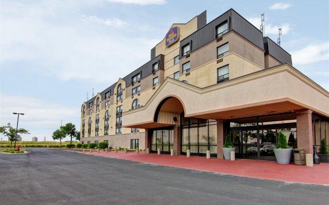 Отель Best Western Plus Toronto North York Hotel & Suites Канада, Торонто - отзывы, цены и фото номеров - забронировать отель Best Western Plus Toronto North York Hotel & Suites онлайн вид на фасад