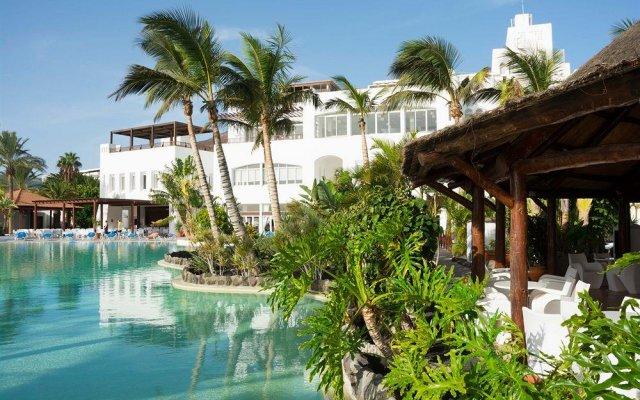 Отель Club Jandía Princess бассейн