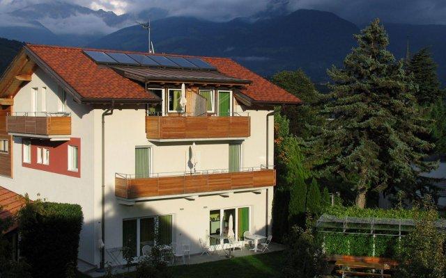 Отель Appartamenti Grazia-Dei Лагундо вид на фасад