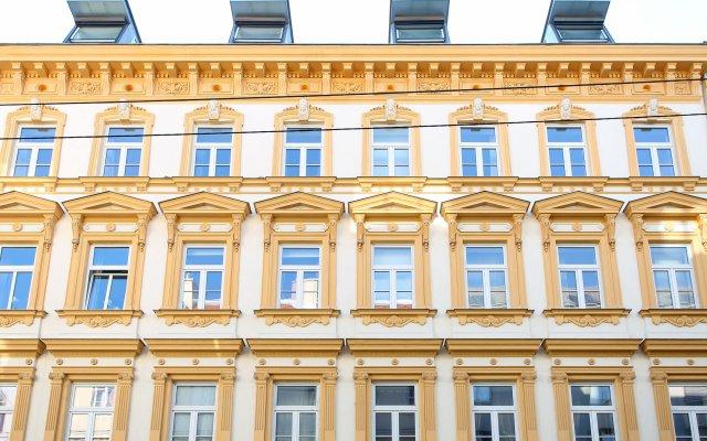 Отель Pink Grapefruit City Condo вид на фасад