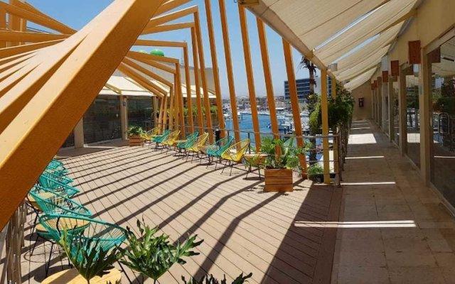 Отель Mayan Monkey Los Cabos - Hostel - Adults Only Мексика, Золотая зона Марина - отзывы, цены и фото номеров - забронировать отель Mayan Monkey Los Cabos - Hostel - Adults Only онлайн вид на фасад