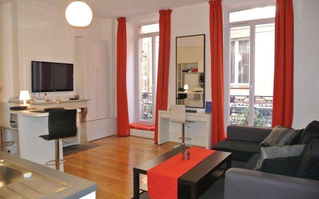 Отель Appartement Capitole Франция, Тулуза - отзывы, цены и фото номеров - забронировать отель Appartement Capitole онлайн комната для гостей
