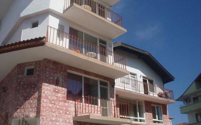 Отель Guest House Bogat-Beden Болгария, Равда - отзывы, цены и фото номеров - забронировать отель Guest House Bogat-Beden онлайн вид на фасад