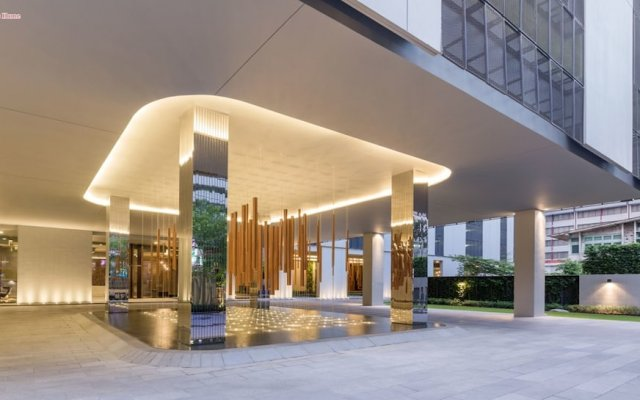Отель Cozy One Bedroom Condo In Nana Asoke Бангкок вид на фасад