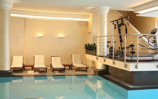 Отель Salus Terme Италия, Абано-Терме - отзывы, цены и фото номеров - забронировать отель Salus Terme онлайн бассейн