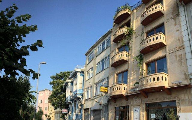 Saruhan Hotel вид на фасад