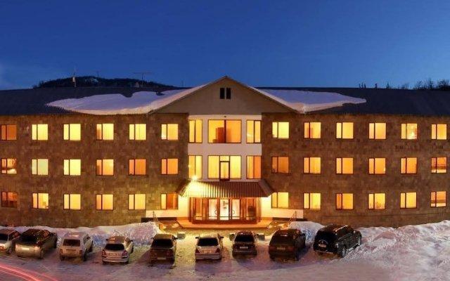 Отель University Hotel Армения, Цахкадзор - отзывы, цены и фото номеров - забронировать отель University Hotel онлайн вид на фасад