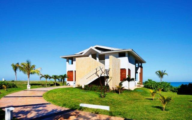 Отель Ocean Vista Azul вид на фасад