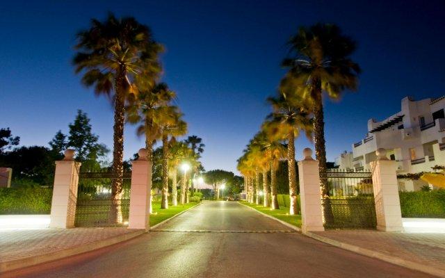 Отель Balaia Golf Village Португалия, Албуфейра - 1 отзыв об отеле, цены и фото номеров - забронировать отель Balaia Golf Village онлайн вид на фасад