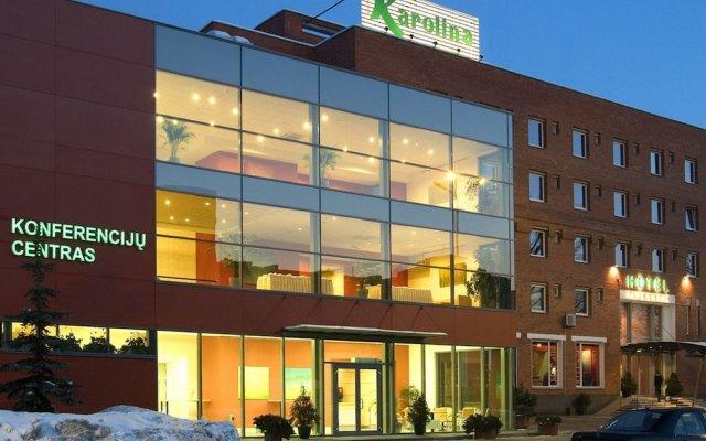 Отель Karolina вид на фасад