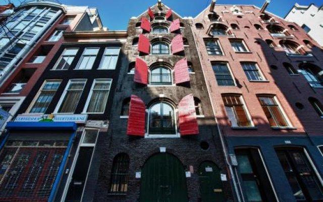 Отель Noel's Bed & Breakfast Amsterdam вид на фасад