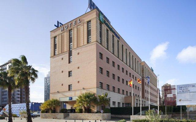 Отель Holiday Inn Express Valencia Ciudad de las Ciencias вид на фасад