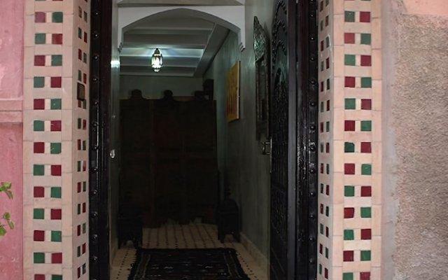 Отель Riad Mellouki Марокко, Марракеш - отзывы, цены и фото номеров - забронировать отель Riad Mellouki онлайн вид на фасад