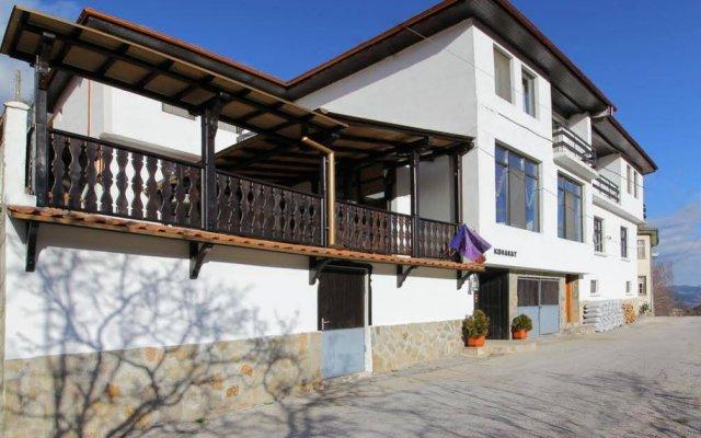 Отель Guest House Konakat Болгария, Чепеларе - отзывы, цены и фото номеров - забронировать отель Guest House Konakat онлайн вид на фасад