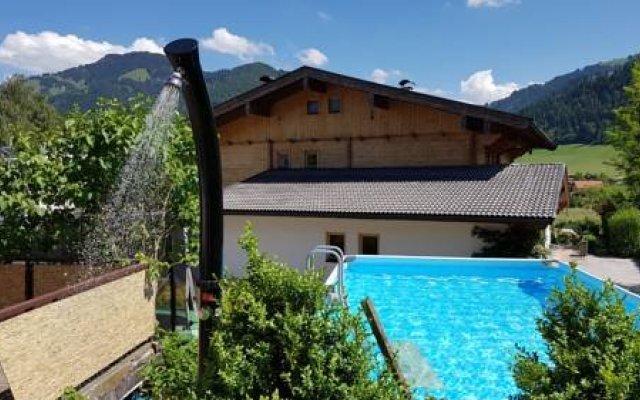 Отель Ferienhaus Ab Австрия, Зёлль - отзывы, цены и фото номеров - забронировать отель Ferienhaus Ab онлайн балкон